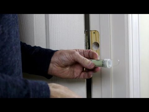 Diy secret hiding places (16) Hide your money behind door hinges