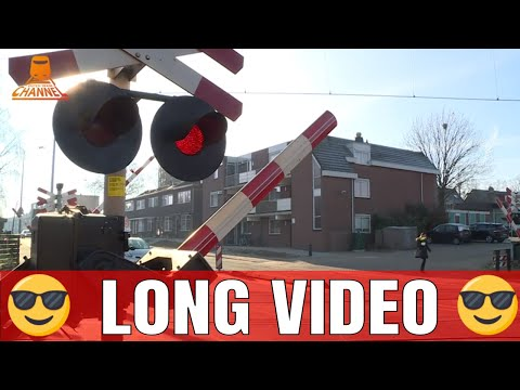 DUTCH RAILROAD CROSSING -