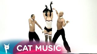 Claudia Cream feat. Fat Man Scoop - Just a little bit (Official Video)