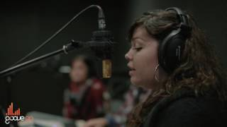 GrooveOn Live Sessions - Can't help falling in love (Elvis Presley) - Mafalda, Angela & Vitor Gomes