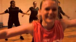Dance-fitness Fun during class: Pran pie/Dance Hall Met Dartie Busser