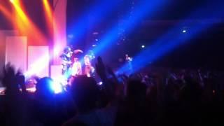 Deichkind - Bon Voyage (Live Dortmund 3.3.12)