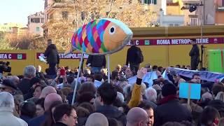 Roma, il raduno nazionale delle sardine in piazza San Giovanni