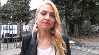 Podigla majicu: Milica Todorovic pokazala golotinju!