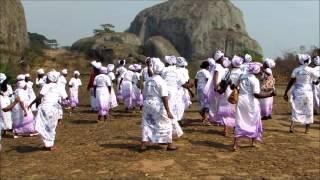 homengem á mulher Angolana