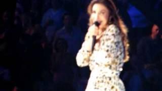 Ivete Sangalo se emociona e chora durante show no Madison Square Garden, em Nova York