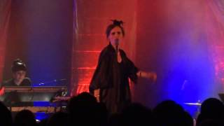 Nina Persson - Boys keep swinging - Live @ Heimathafen, Berlin - 02/2014