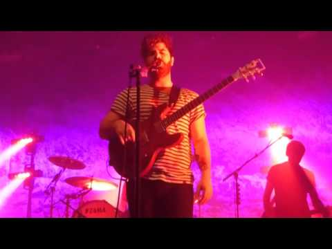 foals-london-thunder-live-terminal-5-nyc-december-18-2015-lairygirl