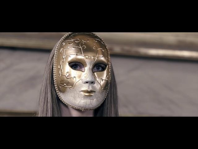 Video oficial de Oxia - Domino