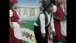 Colônia Portuguesa dançando Tiro Liro Liro