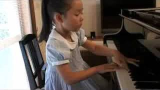 Sora plays bach gigue (7 year old )