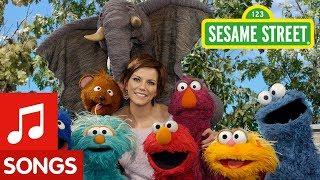 Sesame Street: Elmo and Martina McBride Sing About Pretending