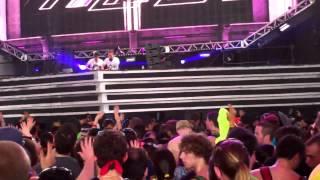 Cosmic Gate- Dimitri Vegas & Like Mike Mammoth @ Ultra Music Fest 2013 HD