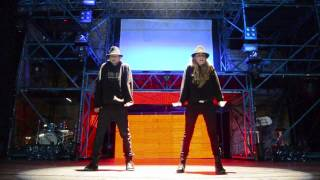 Yure Molina & Alex Gutierrez Jackson Style Choreography - Michael Jackson (Hollywood Tonight)