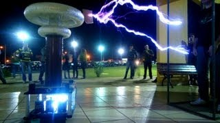 Bobina de Tesla Gigante no IFSP Campus Birigui!