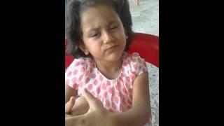 Boğazında et kalan küçük kız meseleyi anlatiyor;)
