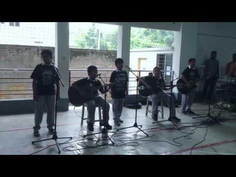 SB Scorpions singing Boulevard Of Broken Dreams Chords - Chordify