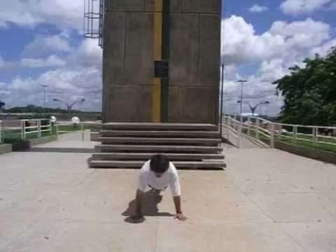 赤道で腕立て Push-Up en el ecuador en Macapa,Brasil