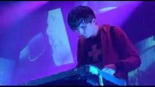 Radiohead - No Surprises (Live @ V Festival 19/8/2006)