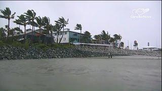 Ciclone Debbie chega à costa australiana com chuvas e ventos fortes