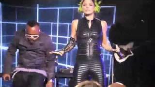 Black Eyed Peas - Let's Get Re-Started ( Live Walmart Soundcheck )