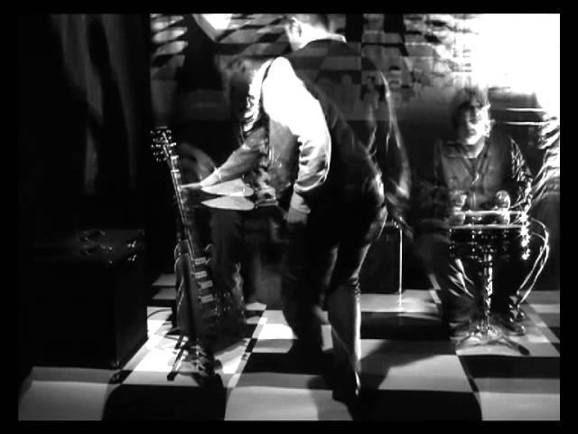 Video oficial de Ornamento y Delito Canción de la muerte