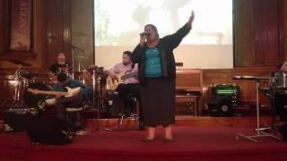Emily Peña- Poder de Dios Fluye/ Revestido de la Uncion