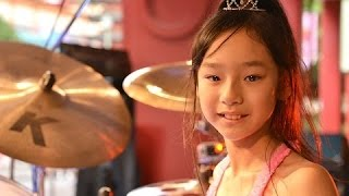 Sensational Girl Drummer Fools Crowd at Japanese Shopping Mall! EPIC!