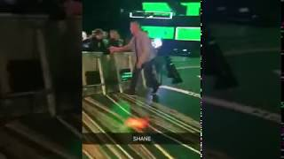 GETTING A HIGH FIVE FROM SHANE MCMAHON! WWE SMACKDOWN LIVE!