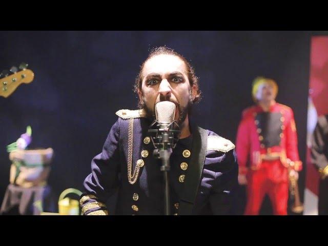 """Videoclip oficial de la canción """"Para que la vida no pare"""" de La Regadera."""