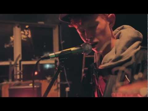 king-krule-portrait-in-black-and-blue-yours-truly-session-yours-truly