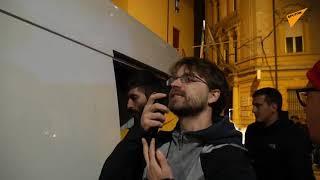 """Flash mob delle """"sardine"""" all'evento di Salvini a Bologna"""