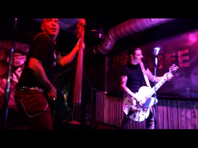 Vídeo de un concierto en Backstage Bar.