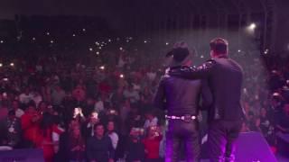 Pipe Bueno & Giovanny Ayala - Le Hace Falta Un Beso (En Vivo)