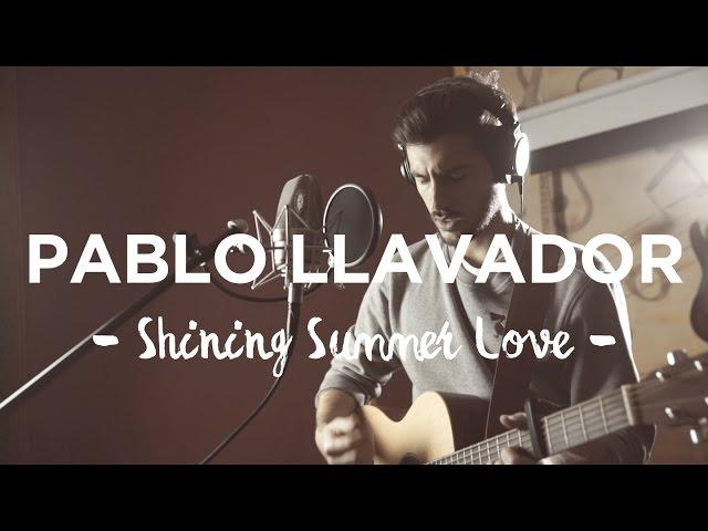 """Vídeo de Pablo Llavador interpretando """"Shining Summer Love""""."""