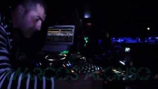 Marcos Alonso-Performance-Give it away Rmx 2011-Dijous 12 Maig-Moet.mp4