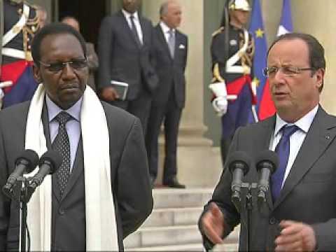 Hollande reçoit le président malien à l'Elysée