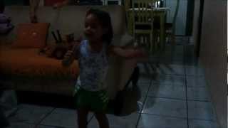 Melissa Cantando Pato Maloqueiro