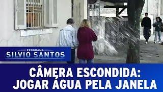 Câmeras Escondidas (17/01/16) - Jogar água da Janela