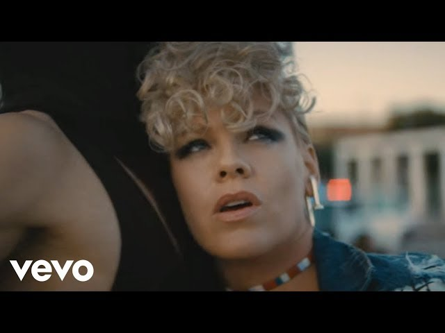 vídeo de pink what about us