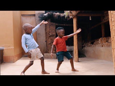 Video: (VIDEO) Ascoltate questa canzone. Arriva dall'Africa ed è il tormentone 2020. 'Jerusalema' sta facendo ballare il mondo. E' uno grandi successi planetari di quest'anno.