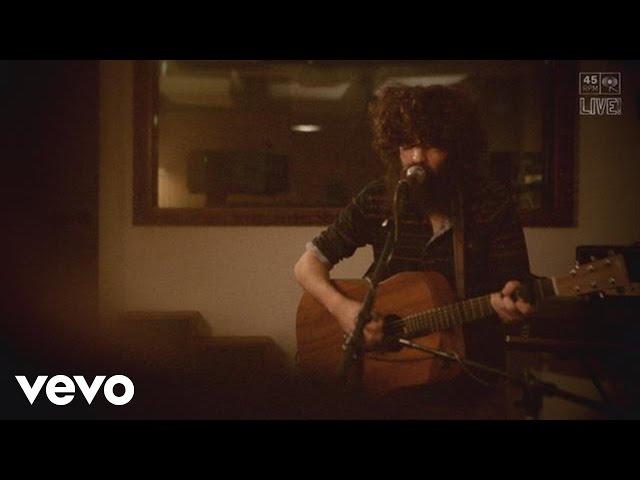 """Video de Angel Stanich cantando """"El Outsider"""" en directo"""