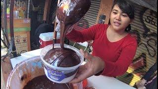 Jakarta Street Food 2758  Es Kepal Cadbury Coklatnya Dapet Creamnya Dapet YDXJ0083 width=
