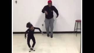 Little dancer killing it to Maroon 5 Maps (Carvel remix)