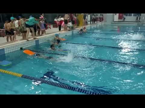 1070611 秀山三年級游泳比賽 - YouTube