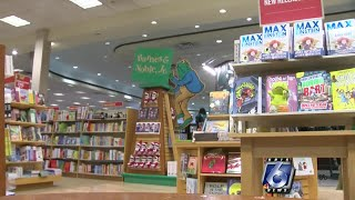 Barnes and Noble hosts holiday book drive