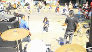 Lilium - Dinda (Live @Seniman bangun pagi, CFD, Bandung)