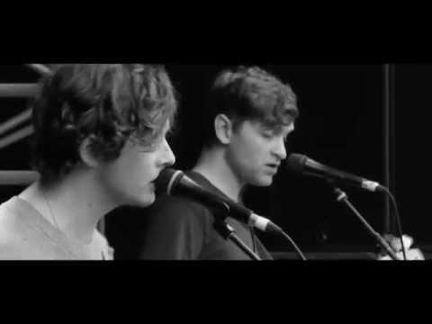 bill-ryder-jones-catharine-and-huskisson-live-at-green-man-domino-recording-co