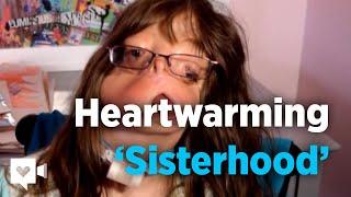 Meisje, zonder gezicht, vindt haar zuster