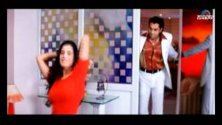 Amisha Patel undresses herself in front of a mirror (Humraaz) width=